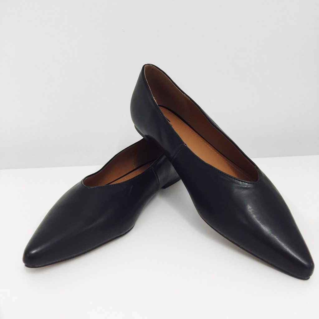 H&M black flat pointy shoes